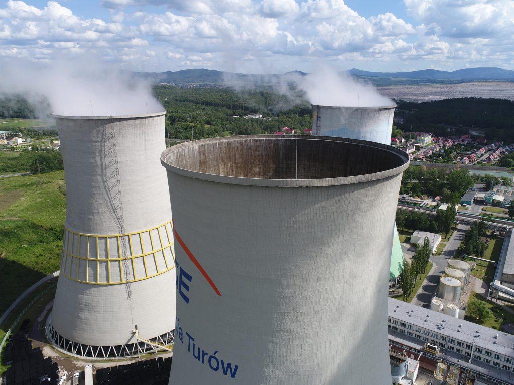 Zdjęcia inspekcyjne chłodni kominowych